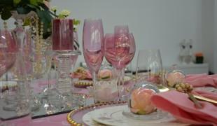 Villery Boch. Rosa und Gold Tisch Dekoration