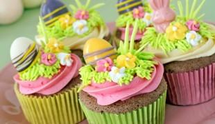 bunte-ostercupcakes-Fotofolia