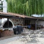 """Besonderheit Sehr schöne Außenterrasse mit """"ASADO"""" – einem aus Südamerika stammenden Grill, auf dem traditionell das Fleisch sehr langsam gegart wird"""