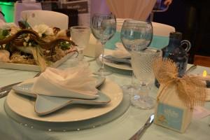 Tischdekoration Farbige Trinkglas