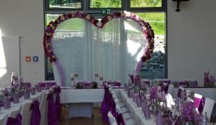 Herzförmige Bogen Hochzeit7